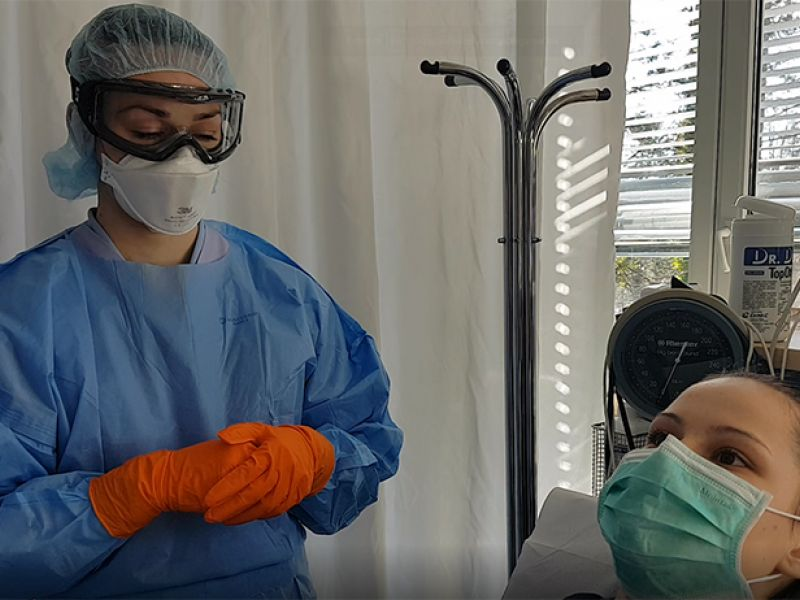 Odvzem brisa za respiratorno diagnostiko vključno s koronavirusom