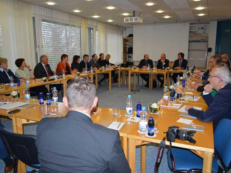 Okrogla miza z ministrom za zdravje